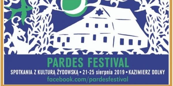 Pardes Festival - program. Program Pardes Festival harmonijnie łączy historię z teraźniejszością: odkrywa wyparte z pamięci, ale żywe w kamieniu, w przekazach historycznych, wspomnieniach  i