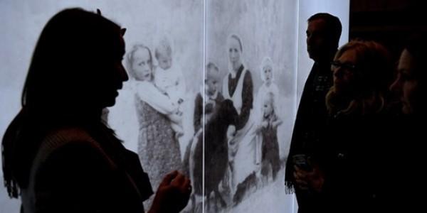 Ekspozycja w Muzeum Polaków Ratujących Żydów podczas II wojny światowej im. Rodziny Ulmów w Markowej. Foto: PAP/Darek Delmanowicz