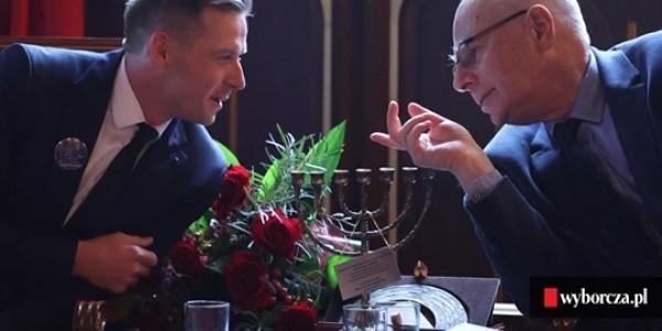 Wręczenie Nagrody im. księdza Stanisława Musiała. Dariusz Popiela i Jan Grosfeld (Fot. Jakub Porzycki / Agencja Gazeta)