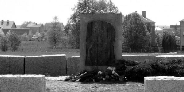 Pomnik ofiar pogromu w Jedwabnem, fot. D. Król
