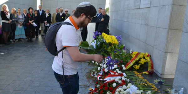 Prière organisée par le Conseil des Juifs et des Chrétiens à l'occasion du 66ème anniversaire de l'Insurrection du ghetto de Varsovie