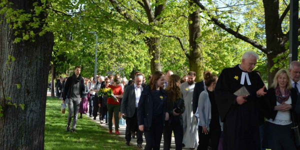 Marsz Modlitw Szlakiem Pomników Warszawskiego Getta - 2009